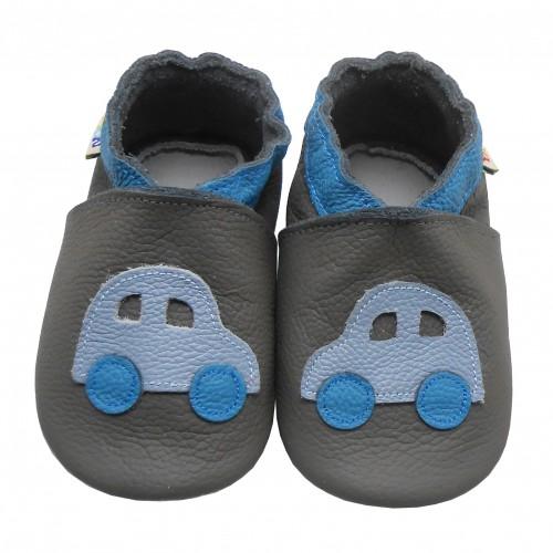 Turnschuhe Blaues Auto